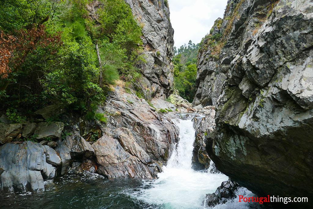 How to hike the trail of Casal de São Simão