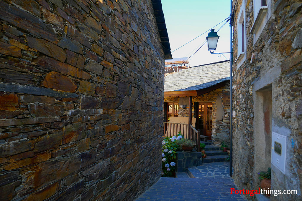 Fajão uma das mais típicas aldeias do Xisto em Portugal