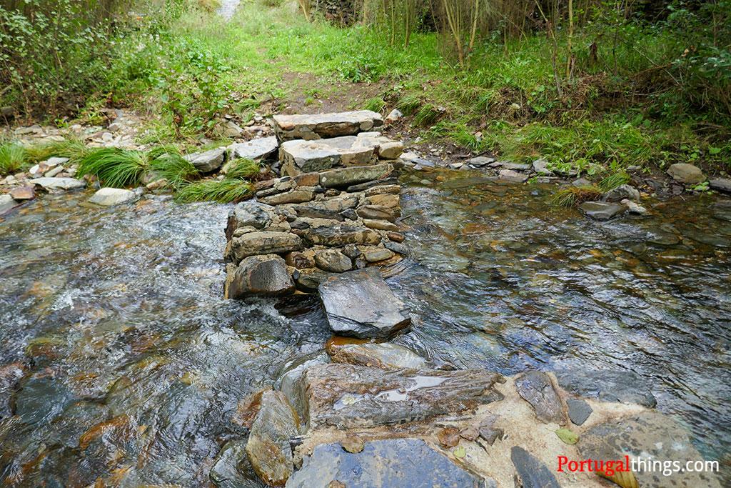 How to do the trail Livraria do Paiva?