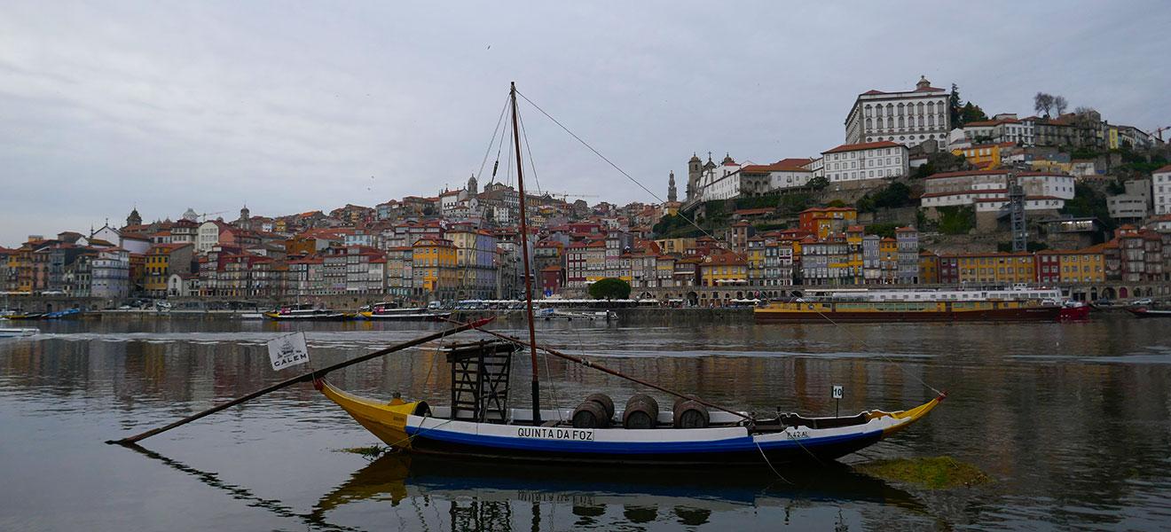 Caves do Vinho do Porto- Cálem cover
