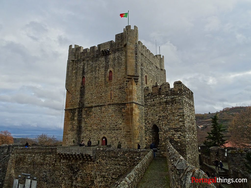 Tudo sobre a bandeira de Portugal