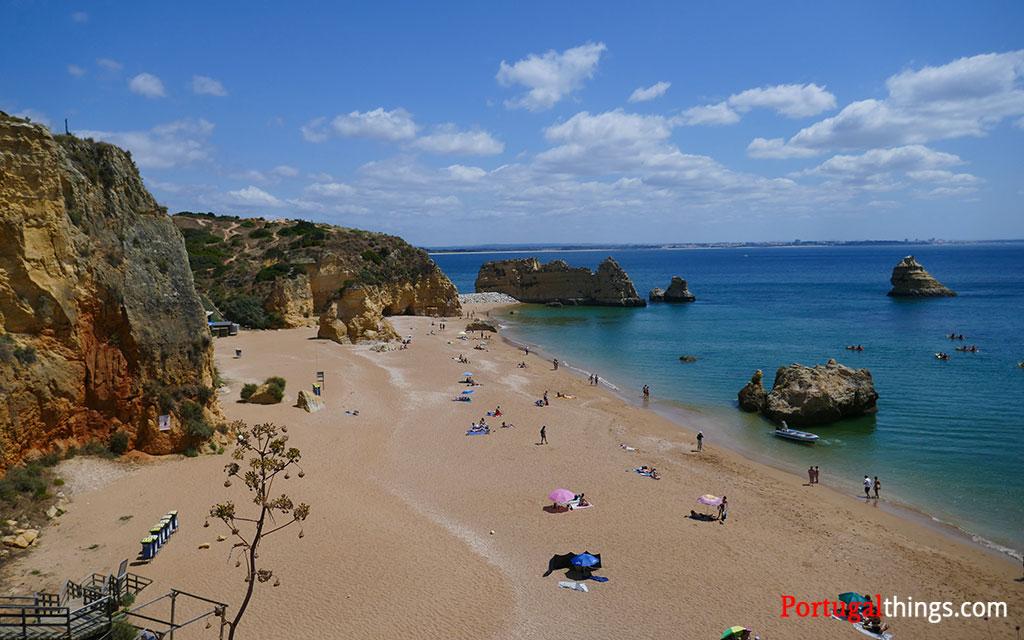 Dona Ana beach with very few people