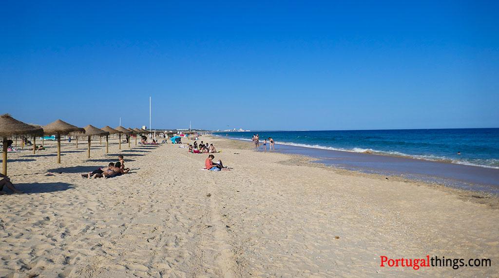 As 18 melhores praias do Algarve que não pode perder este Verão