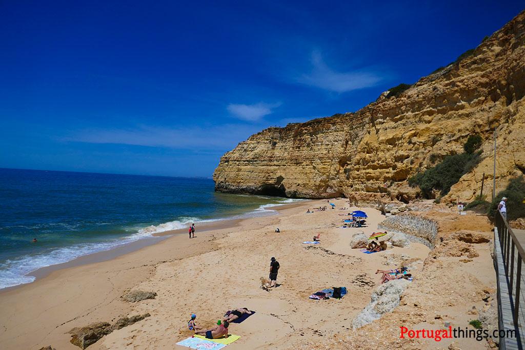 Vale Centeanes beach, the last landmark of the seven hanging valleys trail