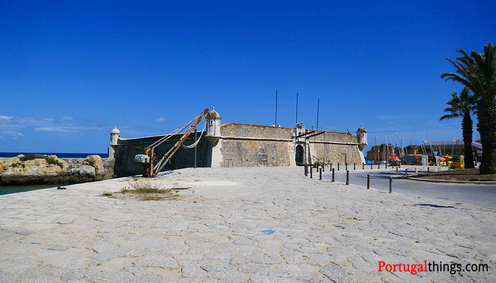 Ponta da Bandeira Fort exterior